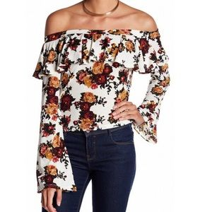 2/$25🎈Mimi Chica floral off shoulders ruffle top